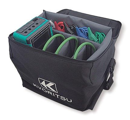 Producent dostarcza miernik w torbie przystosowanej do bezpiecznego transportu wraz z pełnym kompletem akcesoriów